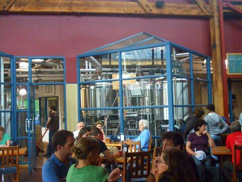 ビール工場みんな.jpg